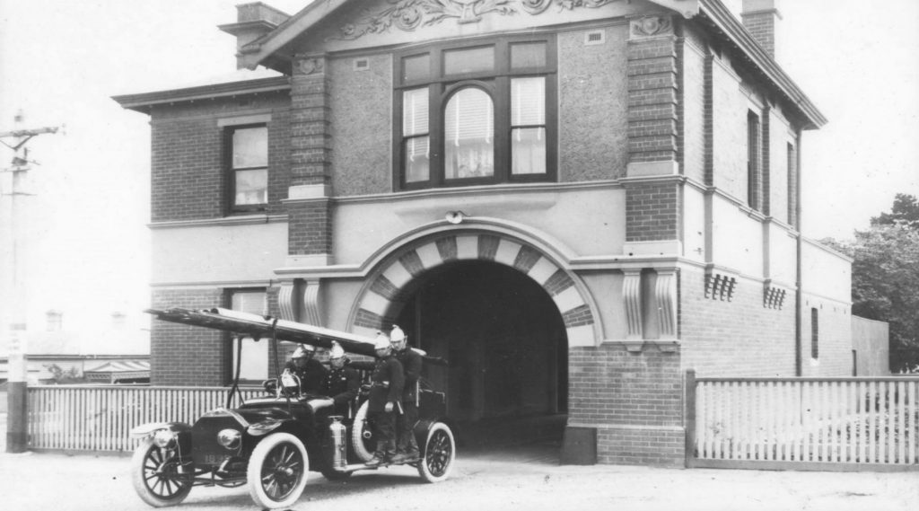 00365 Essendon Fire Station 1800